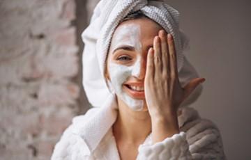 Comment préparer sa peau avant l'application d'un masque?
